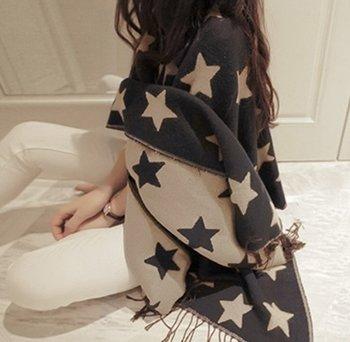 M.O.I - Blauw/beige dikke lange sjaal met sterren