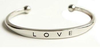 M.O.I - Open bangle armband LOVE zilverkleurig